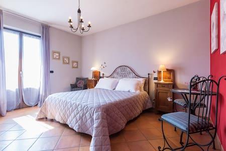 B&B Casa Carolina, nel cuore del Roero - Castellinaldo d'Alba