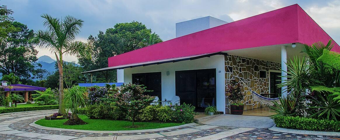 """Pink Villa """"Villas Los Cielitos"""""""