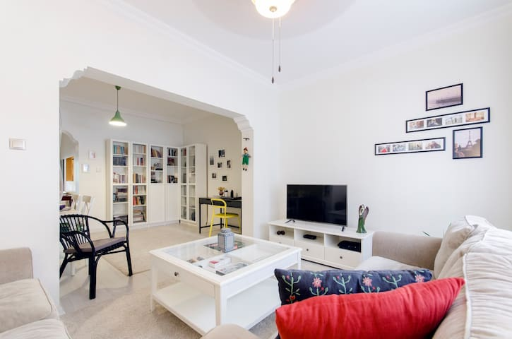 A centrally located, modern, flat with nice garden - Karşıyaka - Lejlighed