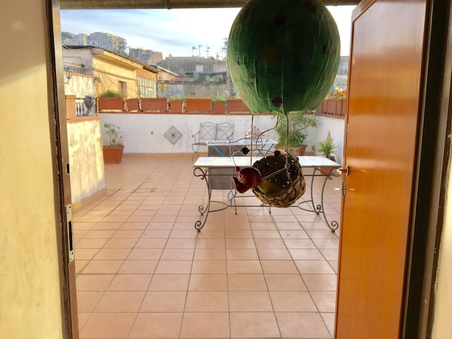 Charming attic in the heart of Naples - Неаполь - Квартира