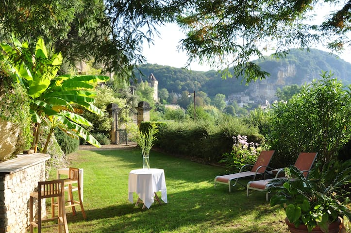 Milandes au manoir de la Malartrie pool river - La Roque-Gageac - Bed & Breakfast