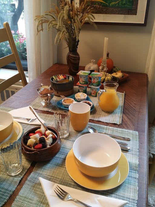 Delicious breakfast, featuring fresh seasonal fruit and warm, just-baked breads.