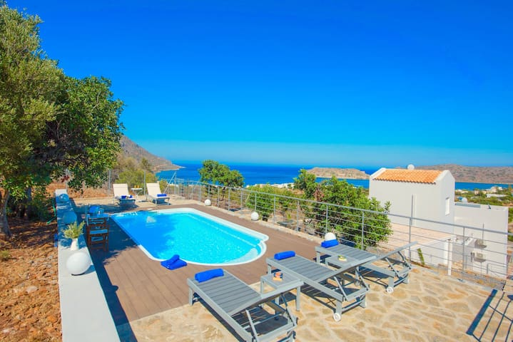 Villa Plaka Venus with private pool