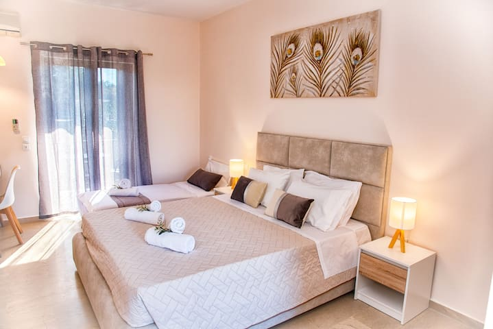Relaxed studio No3  in Costas Aparments