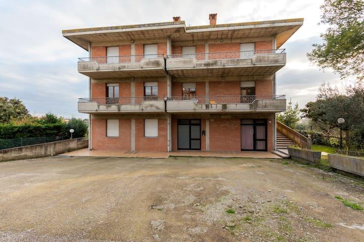 Quaint Apartment in Tuoro sul Trasimeno with Swimming Pool