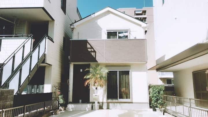 100平以上/名古屋市中心高端独立别墅/两台免费驻车场可入住10-12