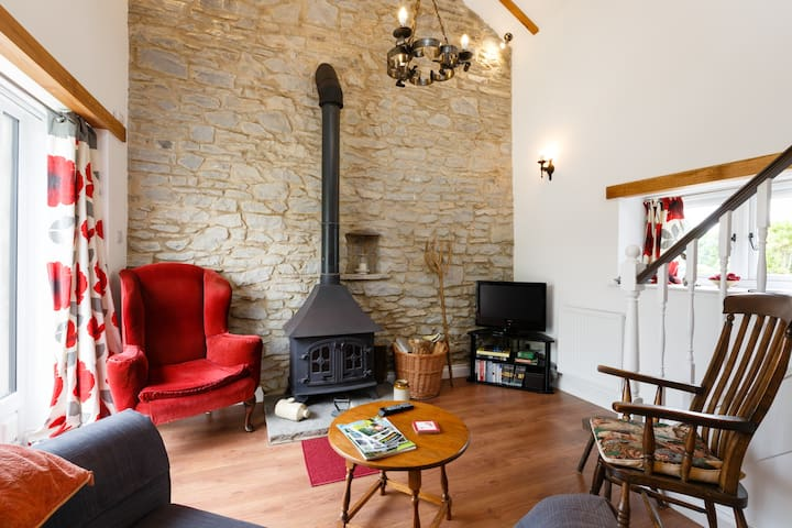 Wenslow Barn, a popular cosy R&R destination. - Ross-on-Wye - Apartemen