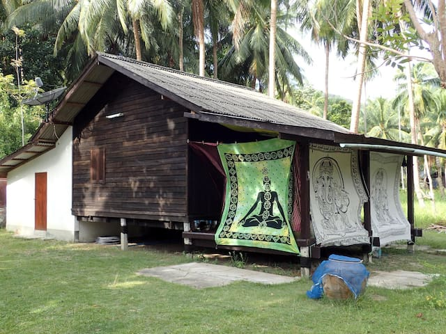 Huge room in traditional Thai house - Ko Pha-ngan - House