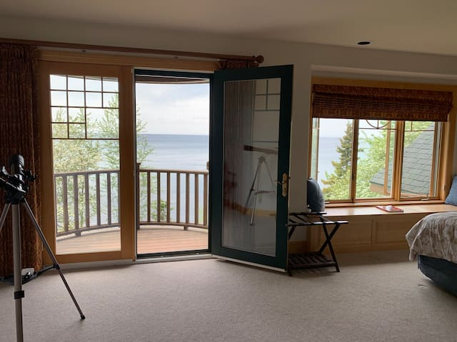 Keweenaw Castle- Balcony Suite