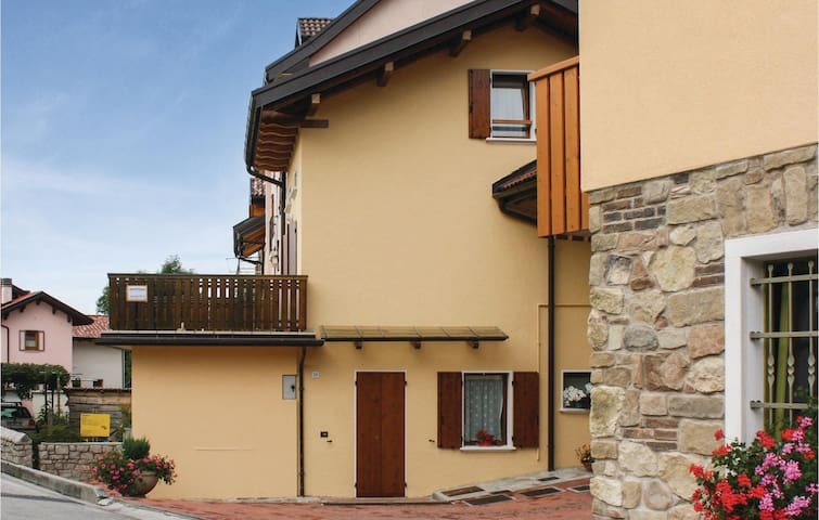Holiday apartment with 1 bedroom on 55 m² in Chies d'Alpago BL
