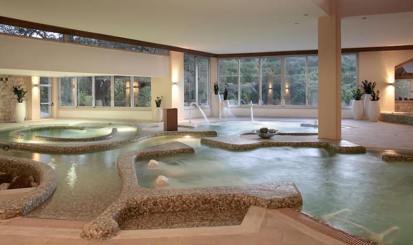 Ayii Anagyri Natural Healing Spa Resort (4 adult)