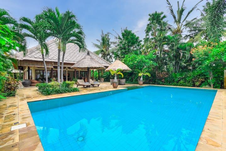Bali Sea Villa - Villa Ganesha - Seririt - Вилла