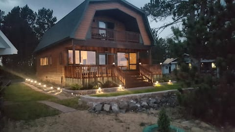 Gorgeous Cottage on Sugar Sands of Lake Superior
