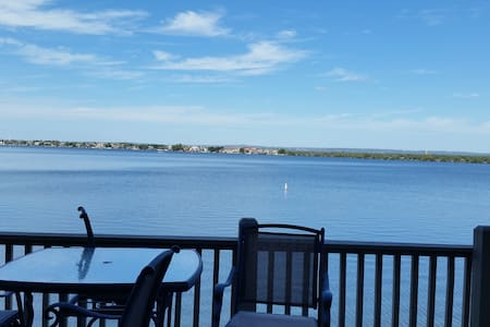 Beautiful Waterfront on Lake LBJ - Private dock - Horseshoe Bay - Casa adossada
