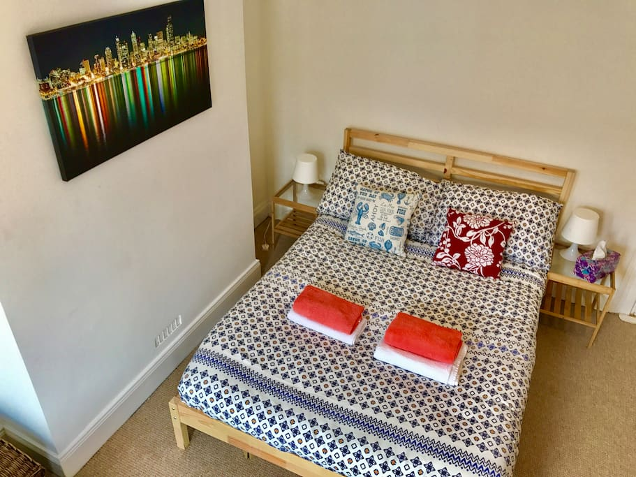 Large double room 5minutes to belfast city centre for N ireland bedroom tax