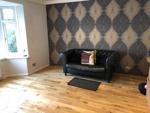 Central Leamington/Warwick 3-4 Bedroom House