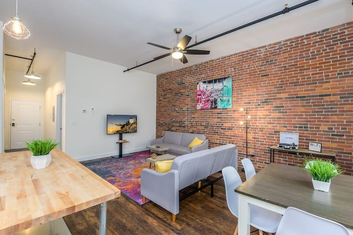 Downtown Bangor Luxury Apartment