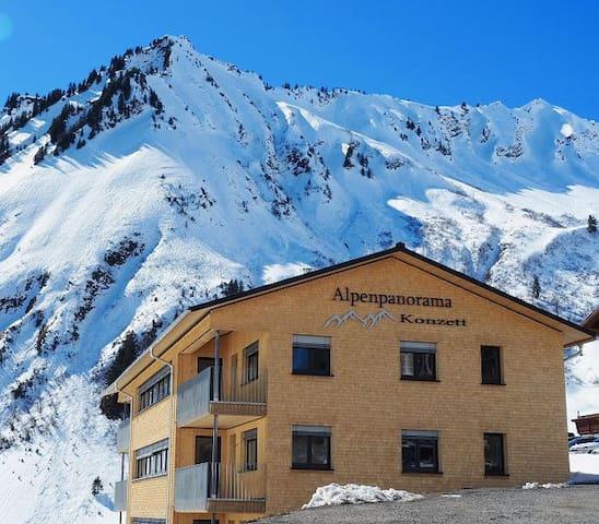 Alpenpanorama Konzett in Faschina (FeWo 1 - 4)
