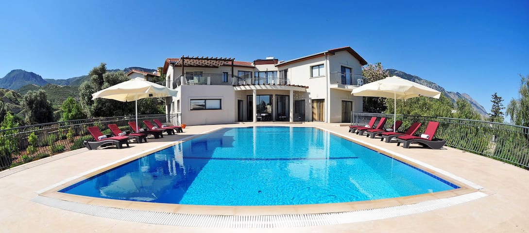 Villa Amelia, Luxury Villa, Amazing Views,