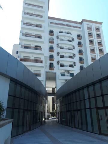 Belle appartement avec emplacement stratégique