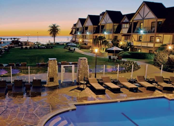Carlsbad Inn Beach Villa, sleeps 4, Aug 22- Aug 29