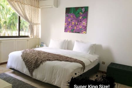 Bright Cozy Rm @ Central w/En-Suite toilet - Singapur