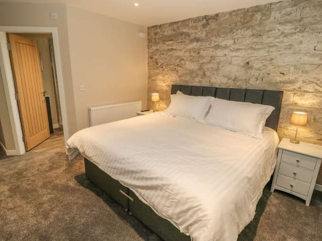 'We definitely would recommend this to anyone, the rooms were all lovely and a great feature with each one being en-suite.'  All Superking size beds can be split into singles.