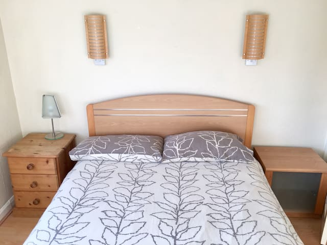 Double Bedroom Near Birmingham Uni - Birmingham