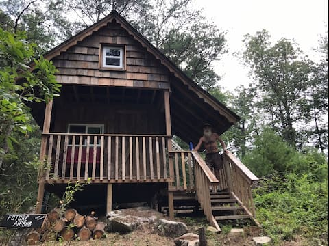 Rustic Off Grid Cabin at Large Falls