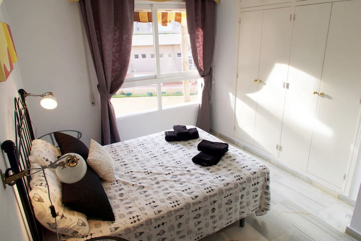 Luminous and spacious main bedroom with an ensuite WC