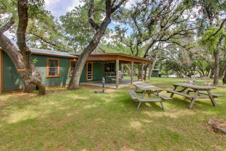 Historic lakefront home with firepit - minutes to water!