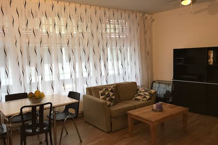 Big Cozy Room near Leiden Station (3mins walking)