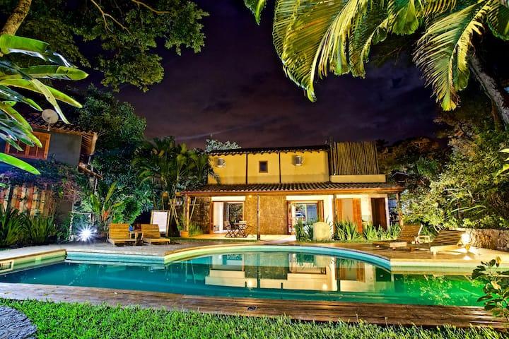 Casa Nº 18 Completa em cond.  em Ilhabela, SP