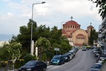 Main road- Church  Saint Paul 3 minutes walking distance