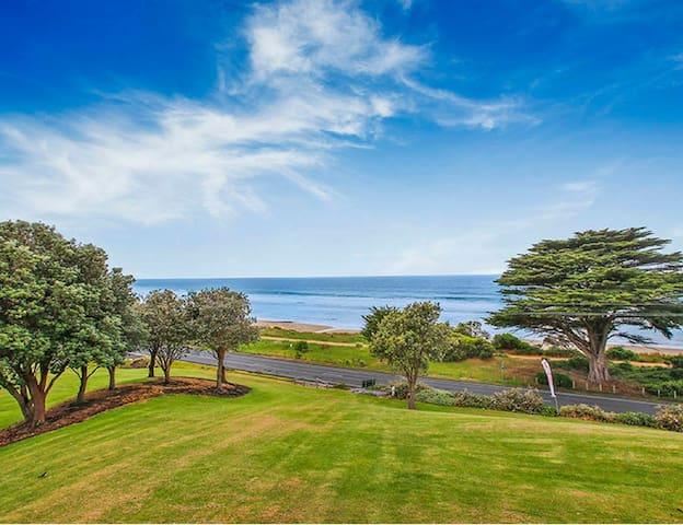 BIG4 Apollo Bay 3 Bedroom Ocean View Beach House