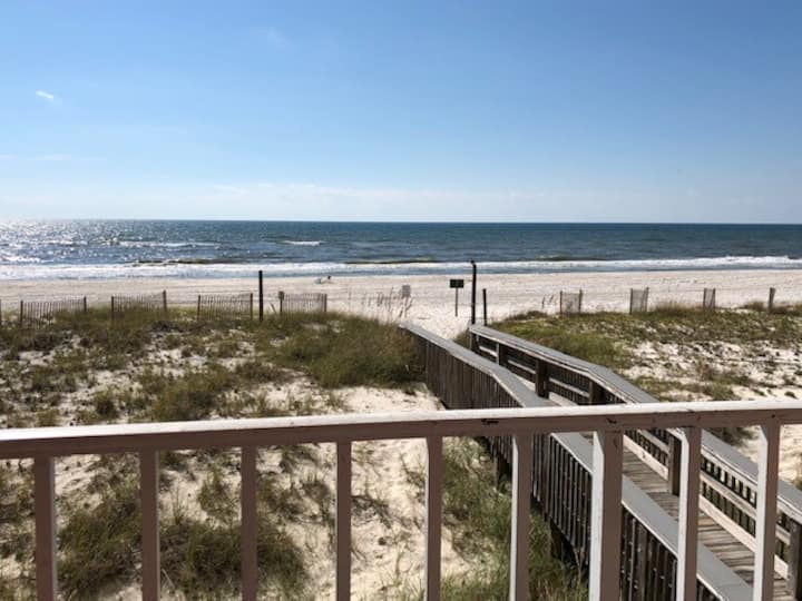 DIRECT Beach Front 2b2ba Condo Close to Everything