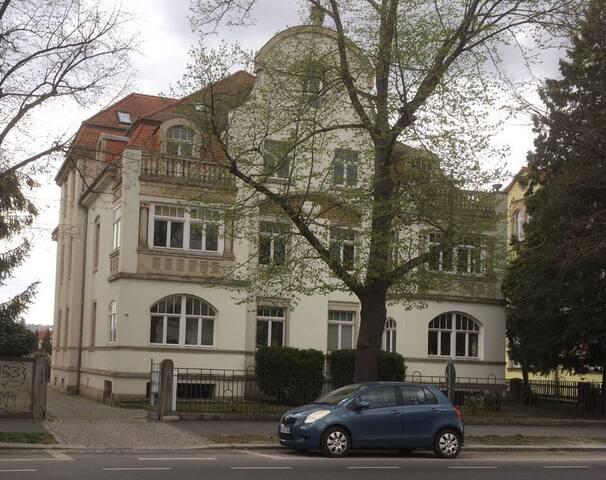 Altbauwohnung in Dresden sucht Gäste