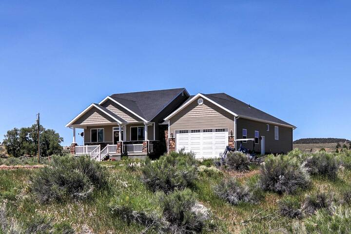NEW! 6BR Hatch House Near Zion & Bryce Canyon