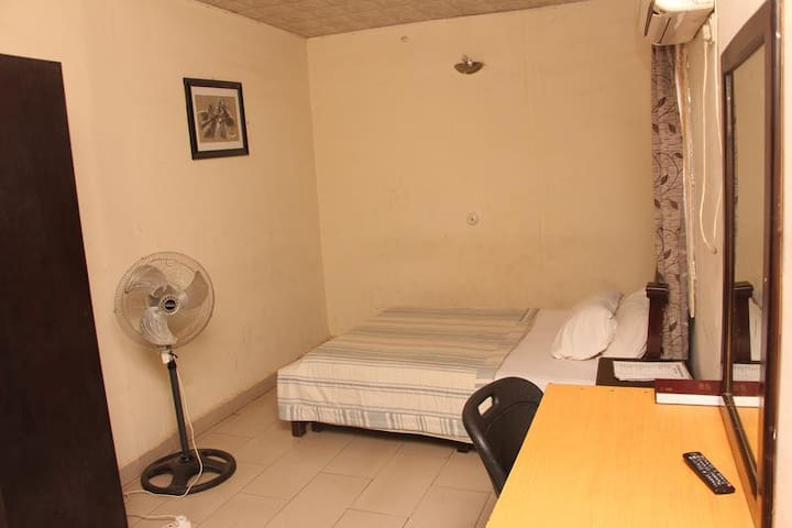 Sapphire Guest House - Royal Room