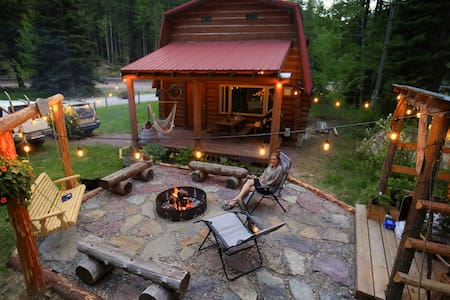 Cozy Essex Log Cabin