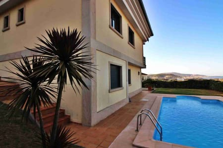 Ref. 11110 Wonderful villa with pool and views