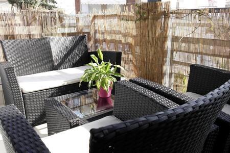 Luxury, Bright, 2-Balcony Apartment - Leilighet