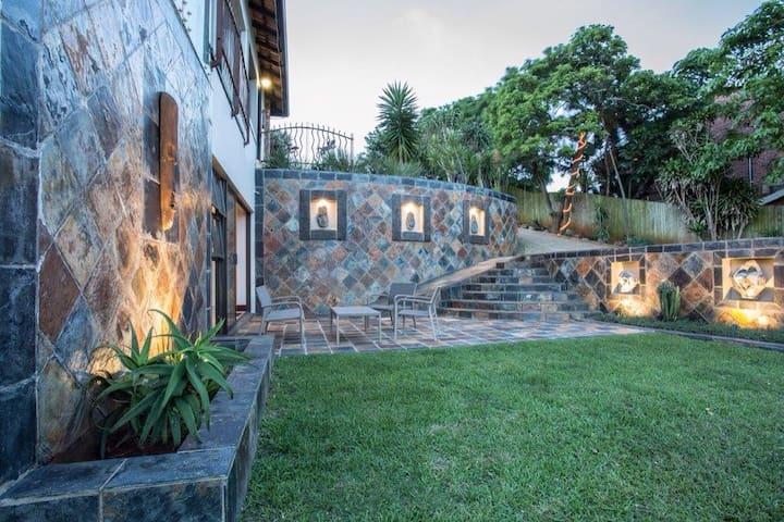 SeaVista Garden Apartment - Umhlanga/Durban North - Apartamento