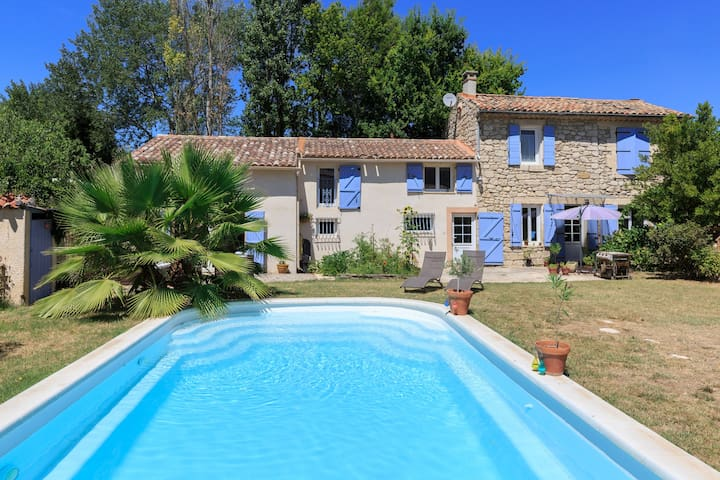 Private floor w/ensuite in large house in Luberon - Mallemort - House