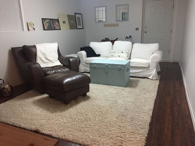 Bright Spacious Comfy Place to Stay - Campbell River - Haus