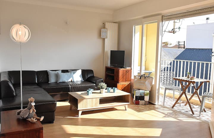 Renovated T4 apartment in the heart of the Arago district, Les Sables d'Olo