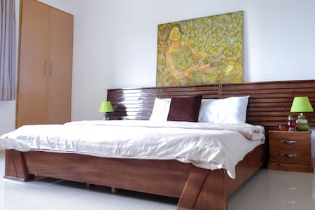 Deluxe Queen Room in a Boutique Residence
