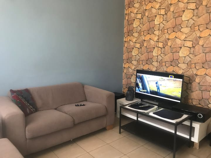 Short/Long term lease Home (Komarock)
