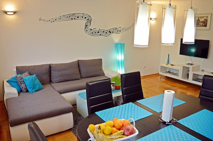 AP Tony*** Two-Bedroom Apartment w/ Parking - AP 2 - Zagreb - Wohnung