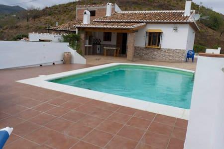 Casa Ramirez - Almáchar - 별장/타운하우스